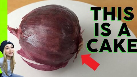 Cake artists creates hyperrealistic red onion cake