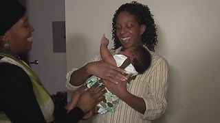 Moms helping new moms in urban neighborhoods - Video
