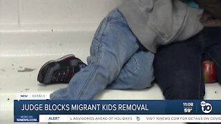 Federal judge orders US to stop expelling children who cross border
