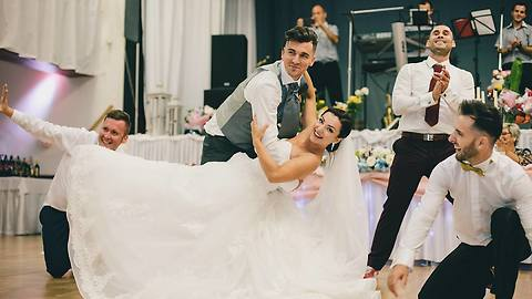 Surprise groomsmen dance totally shocks bride