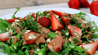 Strawberry asparagus salad recipe - Video