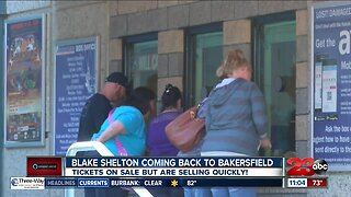 Blake Shelton Coming Back to Bakersfield