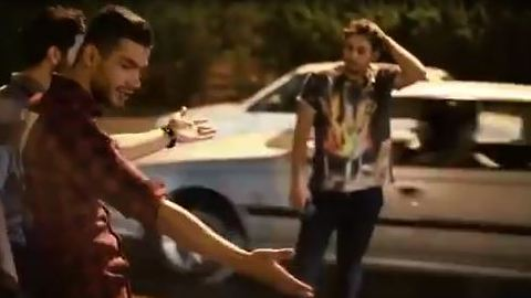 Car accident scene turns into a dance club - Funny