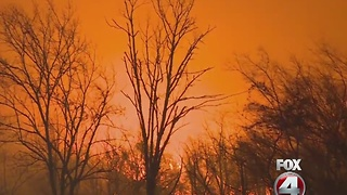 Wildfire forces Tennessee residents out - Video