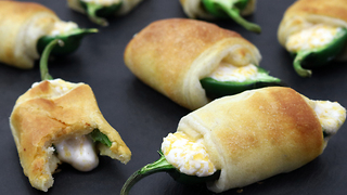 How to make mouthwatering jalapeno poppers - Video