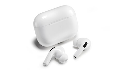AirPods Pro hit new low price