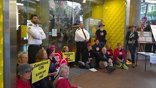 Brisbane Bank Refuses to Open Due to Climate Activists' Protest - Video