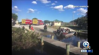 3 people rescued from sinking boat near Stuart - Video