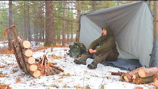 Solo Backcountry Winter Camping & Campfire Cooking - Bushcraft Tarp Shelter