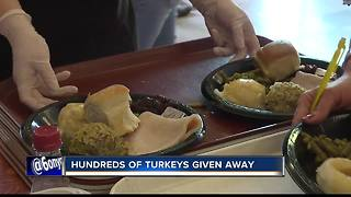 Hundreds attend Thanksgiving banquet - Video