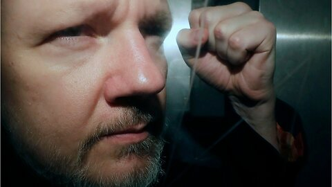 Swedish court decides not to detain Julian Assange