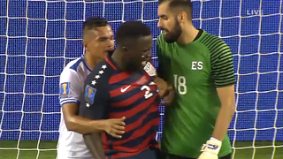 Jozy Altidore Gets BITTEN by El Salvador Soccer Team Player - Video