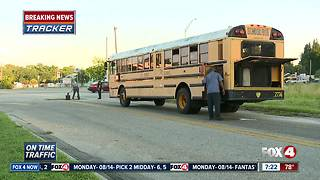 Students evacuated from school bus after mechanical issue - Video