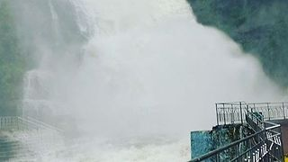 Floodwater From Cyclone Ockhi Swells Popular Waterfall in Courtallam - Video