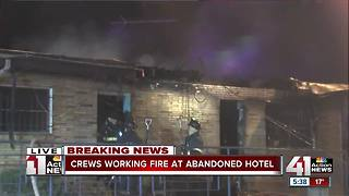 Firefighters put out fire at vacant Kansas City motel - Video