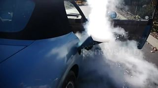 Tech vlogger fills BMW with liquid nitrogen - Video