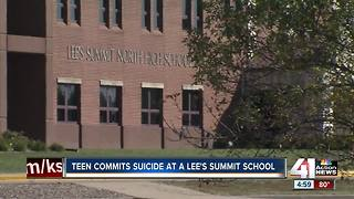 Student takes her own life at Lee's Summit North High School - Video