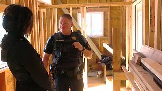 Community Heroes: TPD officer makes tiny homes for veterans - Video