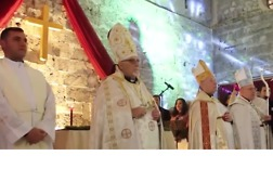 Mosul Christians Celebrate Christmas Eve at Home for First Time in Three Years - Video