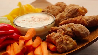 Garlic parmesan chicken tenders are the best finger food around - Video