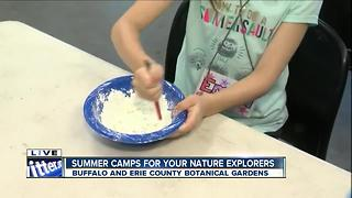 Hands-on learning at the Botanical Gardens summer camp - Video