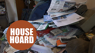 Britain's biggest hoarder vows to finally clean up - Video