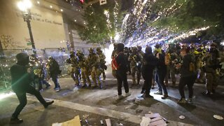Portland Protesters, Federal Agents Clash With Fireworks, Tear Gas