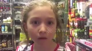 Little girl has emotional reaction to getting snake for birthday - Video