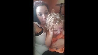 Baby doesn't like mother's lullaby - Video