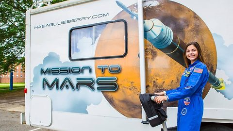 'Space obsessed' 17-year-old sets sights on being first to set foot on Mars, hoping to inhabit planet in 2033 for NASA