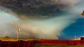 Resident captures apocalyptic storm forming