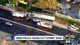 Semi-truck crash in Chandler - Video