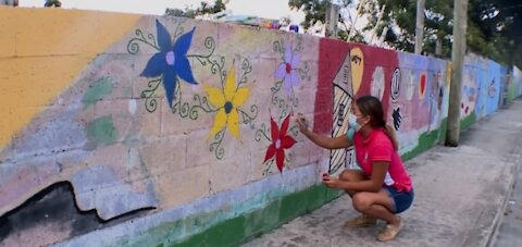 Lake Worth Beach mural being restored after decades