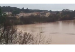 Heavy Rain Following Snowfall Causes Floods in Southern France - Video