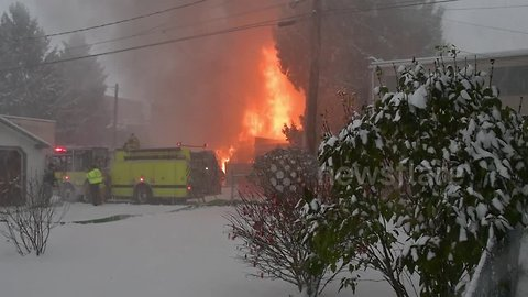 Massive fire tears through commercial building in Pennsylvania