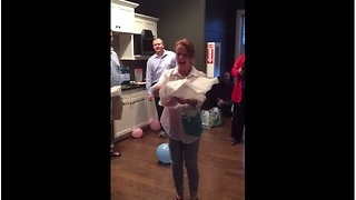Soon-to-be grandma freaks out over baby gender reveal - Video