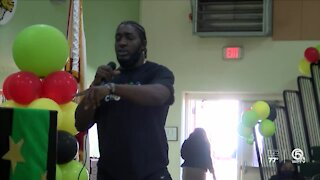 Te'Von Coney gives back
