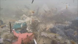 Ockhi cyclone dumps tonnes of plastic waste, chokes Arabian sea - Video