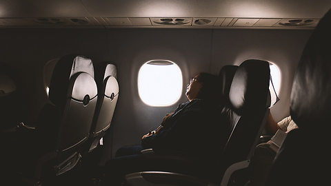 Here Are 6 Things That You Should Never Do on an Airplane