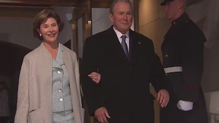 43rd President George Bush arrives - Video