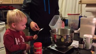 Toddler Fails At Baking