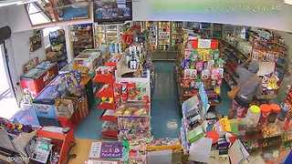 Gang of Robbers Force Auckland Superette Owner to Flee Her Shop - Video