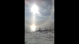 Three separate rainbows spotted in Carpathian Mountains - Video