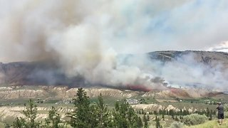Brush Fire Spreads Rapidly in Kamloops, British Columbia - Video