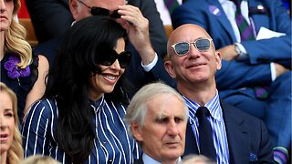 An Astrologer Says Bezos And Lauren Sanchez Are Compatable