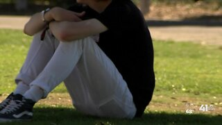 Feeling lonely? Psychologist offers mental health tips amid pandemic