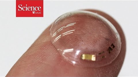 These smart contacts can monitor the glucose in tears