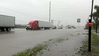 Flash Flooding Slows Down Traffic in Southern Texas - Video