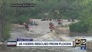 Helicopter rescues 26 stranded by flooding in Arizona canyon - Video