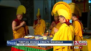 Tibetan monks begin Mandala in Omaha - Video